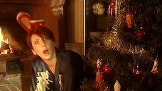 Интим с Аликой Смеховой под елкой