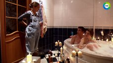 1. Анна Старшенбаум принимает совместную ванну – Фарфоровая свадьба