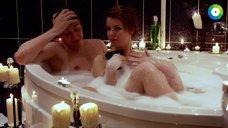 4. Анна Старшенбаум принимает совместную ванну – Фарфоровая свадьба