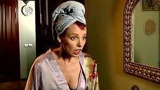Жанна Эппле в халате