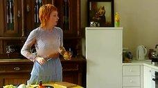 4. Жанна Эппле в прозрачной блузке – Бальзаковский возраст или Все мужики сво...