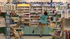 Возбуждающая Ирина Медведева в аптеке