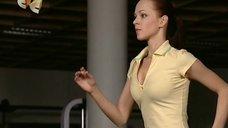 Колыхающаяся грудь Ирины Медведевой на пробежке