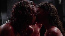 7. Постельная сцена с Билли Пайпер и Джессикой Барден – Страшные сказки