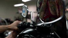 3. Интимная сцена с Леви Трэн на мотоцикле – Бесстыжие