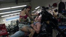5. Интимная сцена с Леви Трэн на мотоцикле – Бесстыжие