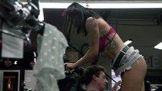 8. Интимная сцена с Леви Трэн на мотоцикле – Бесстыжие