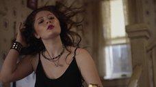 3. Секси Эмма Кинни – Бесстыжие