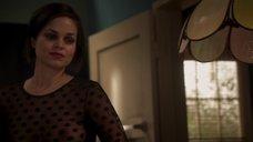 2. Секси Лина Эско в прозрачной блузке – Королевство