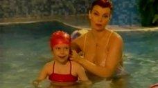 Лада Дэнс в купальнике  в передаче «Здоровье»