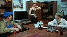4. Соблазнительная секретарша Ирина Медведева – 6 кадров
