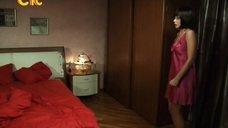 Ирина Медведева в ночнушке