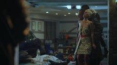 1. Карли Салливан в качестве живого щита – Хэппи