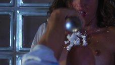 1. Эротическая сцена с Маленой Морган в креме – Наслаждение или боль
