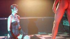 2. Красивый секс с Маленой Морган на сцене – Наслаждение или боль
