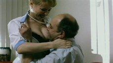 Секси медсестра Ирина Иваней
