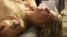 Сексуальная Мария Антипова в ночнушке
