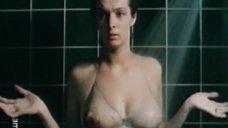 Сексуальная Ирина Белозерова в купальнике