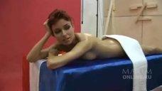 Эротичная Ирена Понарошку в фотосессии для журнала Maxim