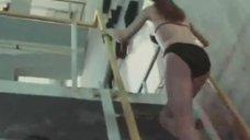 Сексуальная Наталья Новикова в купальнике