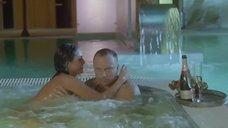 1. Большая голая грудь Марты Спиженко – Муж моей вдовы