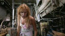 Торчащие соски Олеси Судзиловской