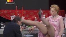 Алена Яковлева засветила трусики на спектакле «Хомо Эректус»