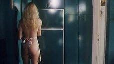 2. Петра Шарбах без одежды готовит завтрак – Провокация