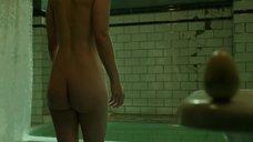 1. Салли Хокинс мастурбирует в ванне – Форма воды