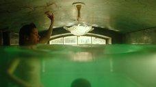 7. Любовная сцена в ванной с Салли Хокинс – Форма воды