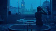 5. Эротическая сцена с Шарлиз Терон в ванной – Взрывная блондинка