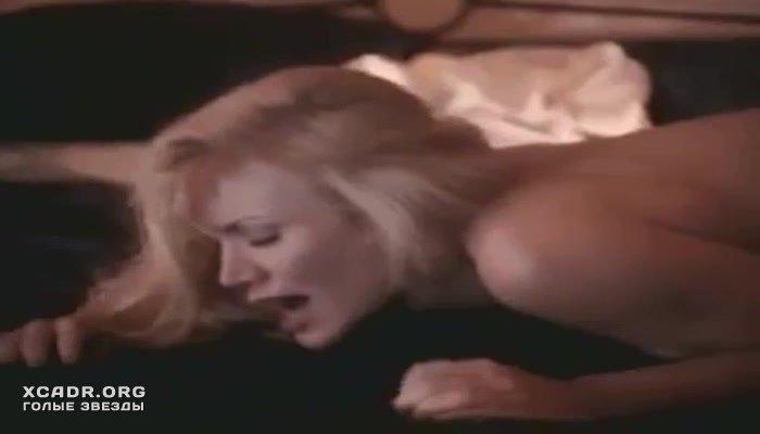 Голая Грудь Шеннон Твид – Непристойное Поведение 2 (1994)