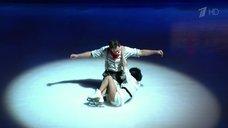 4. Сексуальная красотка Кристина Асмус в шоу «Ледниковый период»