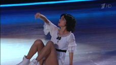 5. Сексуальная красотка Кристина Асмус в шоу «Ледниковый период»