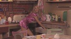 3. Мария Кожевникова соблазняет парней на кухне – Универ