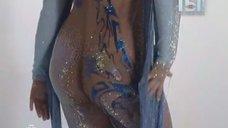 Наташа Королева засветила попу в передаче «Ты не поверишь!»