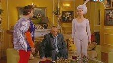 Валентина Рубцова в обтягивающем костюме сперматозоида