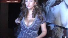 3. Грудастая Чехова Анфиса в передаче «И снова здравствуйте!»