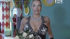 Анастасия Волочкова в платье с глубоким вырезом