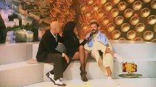 Стройные ножки Анастасии Заворотнюк в передаче «Минута славы»
