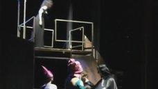 1. Екатерина Климова случайно оголила грудь на спектакле «Мастер и Маргарита»