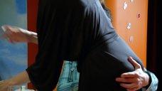 Сексуальная Елена Подкаминская в халате
