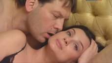 Екатерина Стриженова в постели