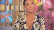 Пышногрудая Екатерина Стриженова в передаче «Доброе утро»