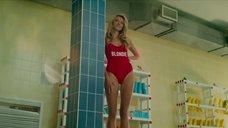 Секси Валерия Дергилева в купальнике