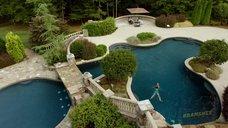 1. Таня Кларк в купальнике – Банши