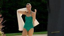 2. Таня Кларк в купальнике – Банши