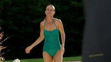 Таня Кларк в купальнике