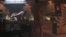 3. Эротические сцены с Диорой Бэрд – Приподнятый