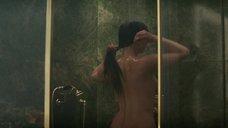 3. Дженнифер Лоуренс принимает душ – Красный воробей